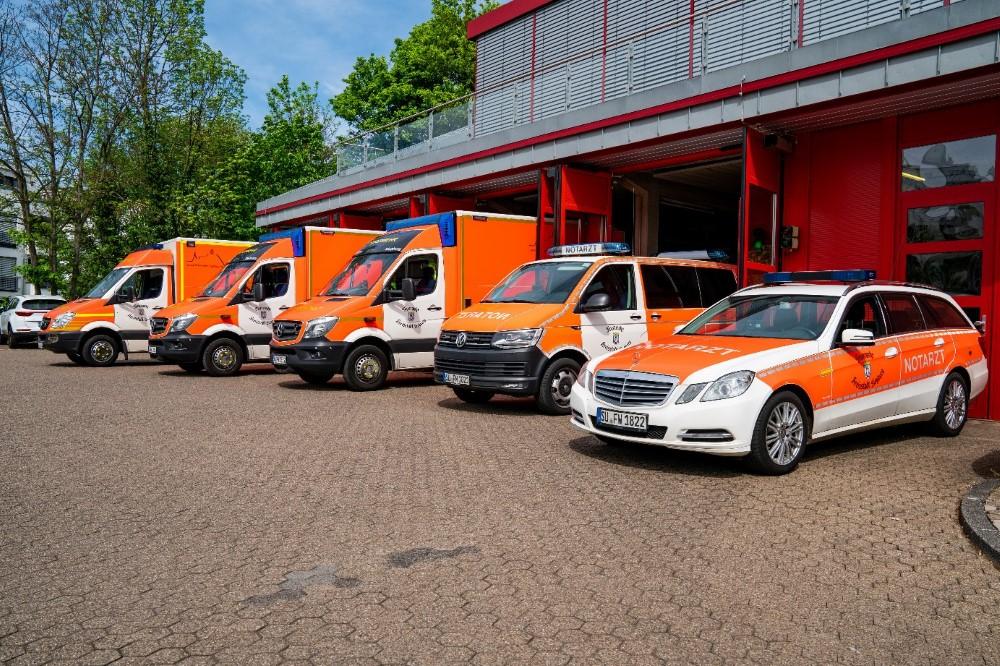 Auf dem Bild sieht man die Fahrzeuge des Rettungsdienst der Kreisstadt Siegburg
