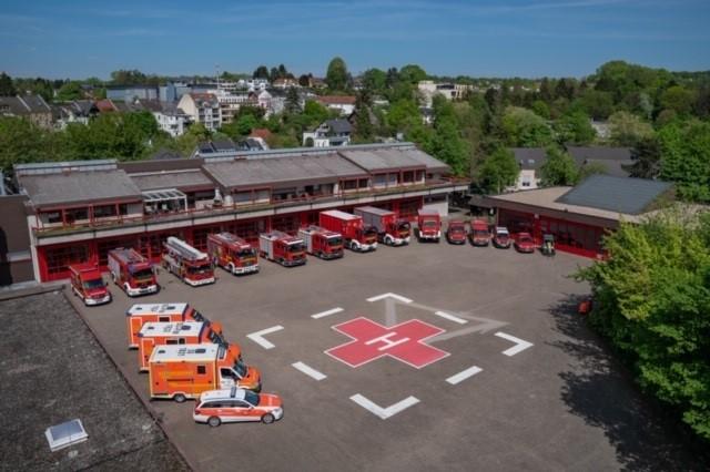Das Bild zeigt die Feuer- und Rettungswache Siegburg aus der Vogelsperspektive