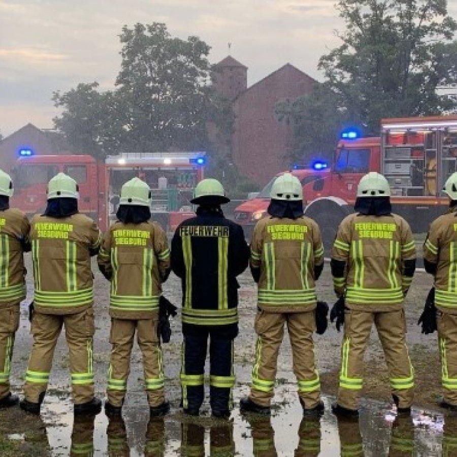 Das Bild zeigt die Löschgruppe 2 der freiwilligen Feuerwehr Siegburg
