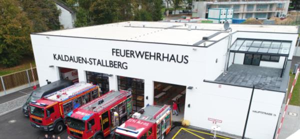 Das Bild zeigt das Feuerwehrgerätehaus in Siegburg Kaldauen