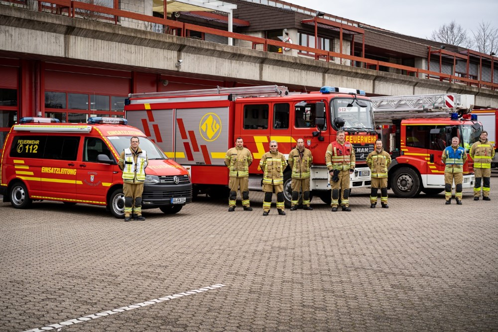 Das Bild zeigt Mitarbeiter aus dem Bereich Brandschutz der Freiwilligen Feuerwehr Siegburg