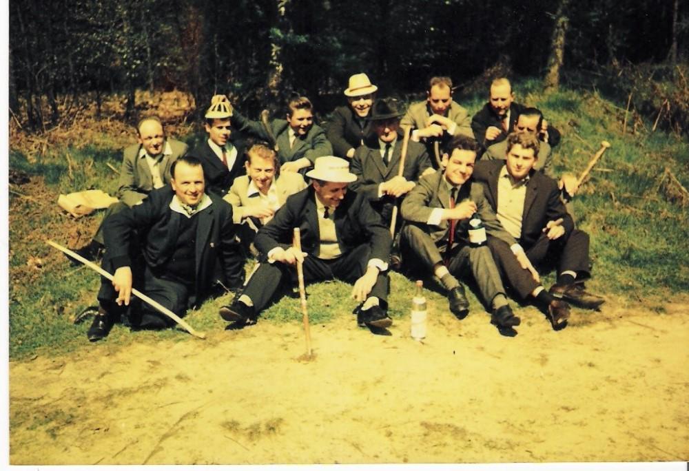 Die Löschgruppe Stallberg während einen Vatertagstour in den 60er Jahren