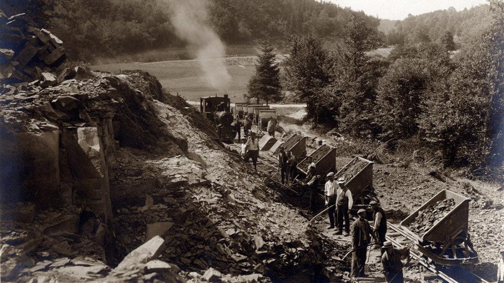 Bau der Wahnbachtalstraße 1925