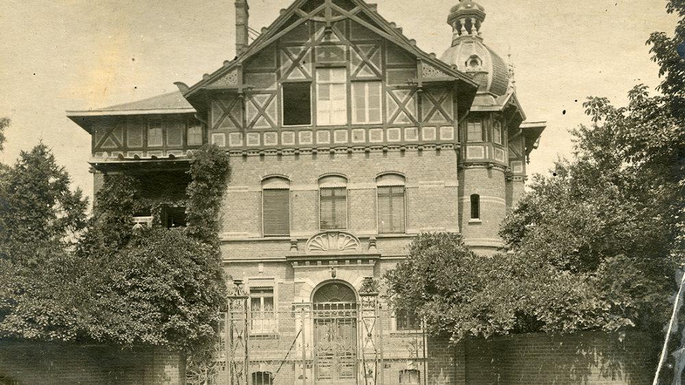 die ehemalige Direktorenvilla des königlichen Feuerwerkslaboratorium, Luisenstraße 95