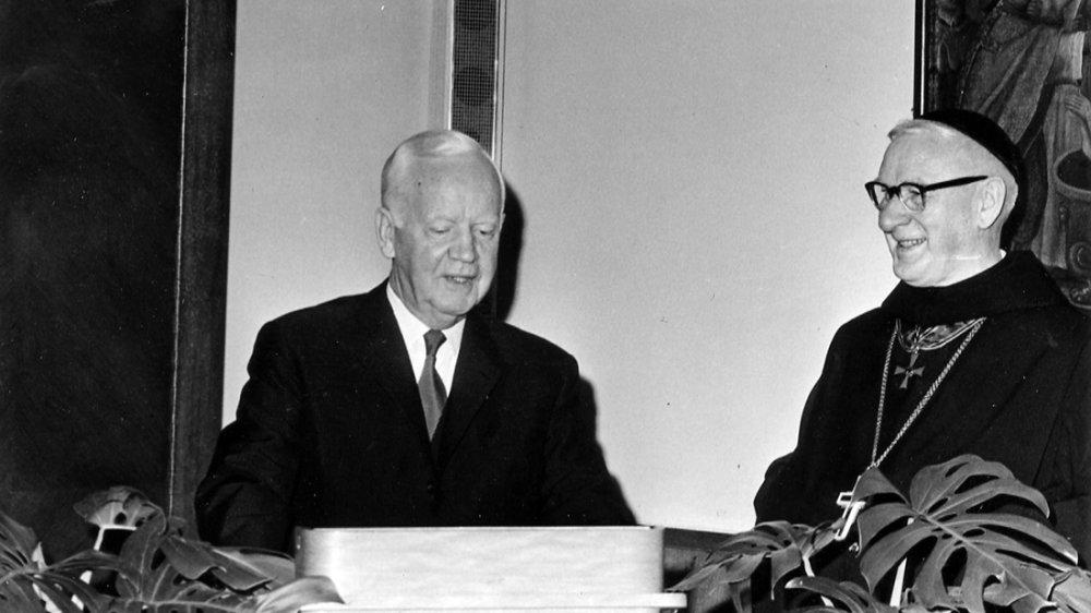 Bundespräsident Heinrich Lübke, hier 1965 beim Besuch der Benediktinerabtei auf dem Michaelsberg