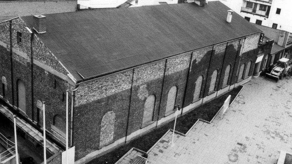 Apollo-Kinosaal 1973 vor dem Abriss, Blick aus dem Rathaus auf den Nogenter Platz