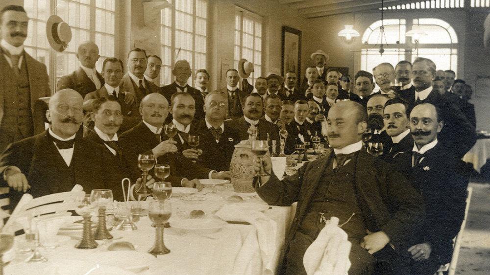 Prost Siegburg - 1910 in einer nicht bekannten Gaststätte im Stadtgebiet