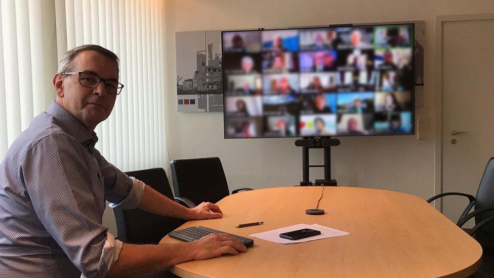 Bürgermeister Stefan Rosemann bei der Online-Sprechstunde