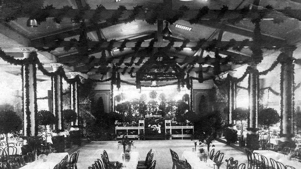 Festsaal des Herrengartens 1919