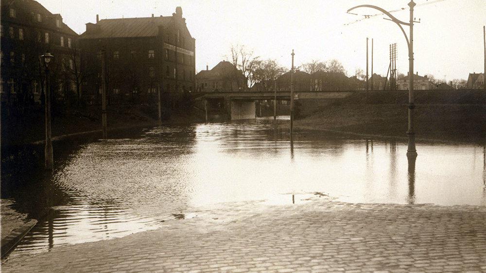 Hochwasser in der Unterführung der Bonner Straße im Januar 1926