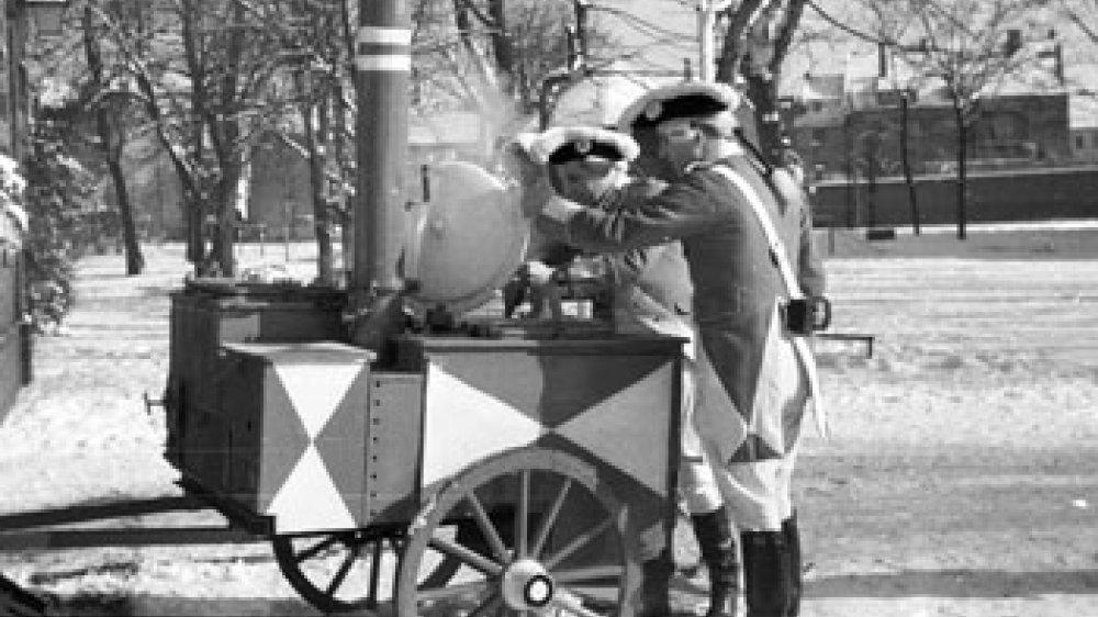 Karneval 1956 an der Schützenburg mit Gulaschkanone