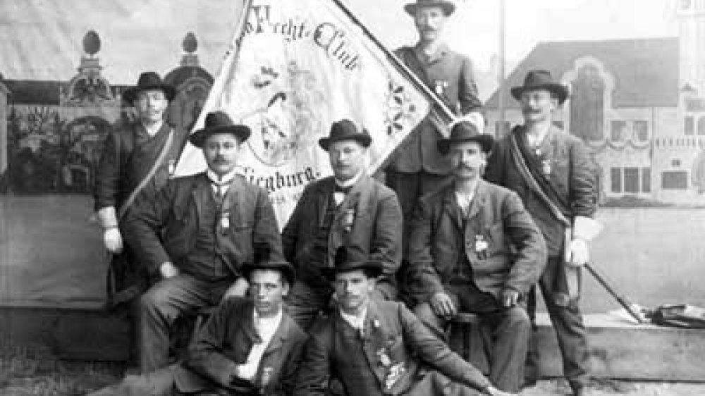 Siegburger Turnfestteilnehmer um 1900