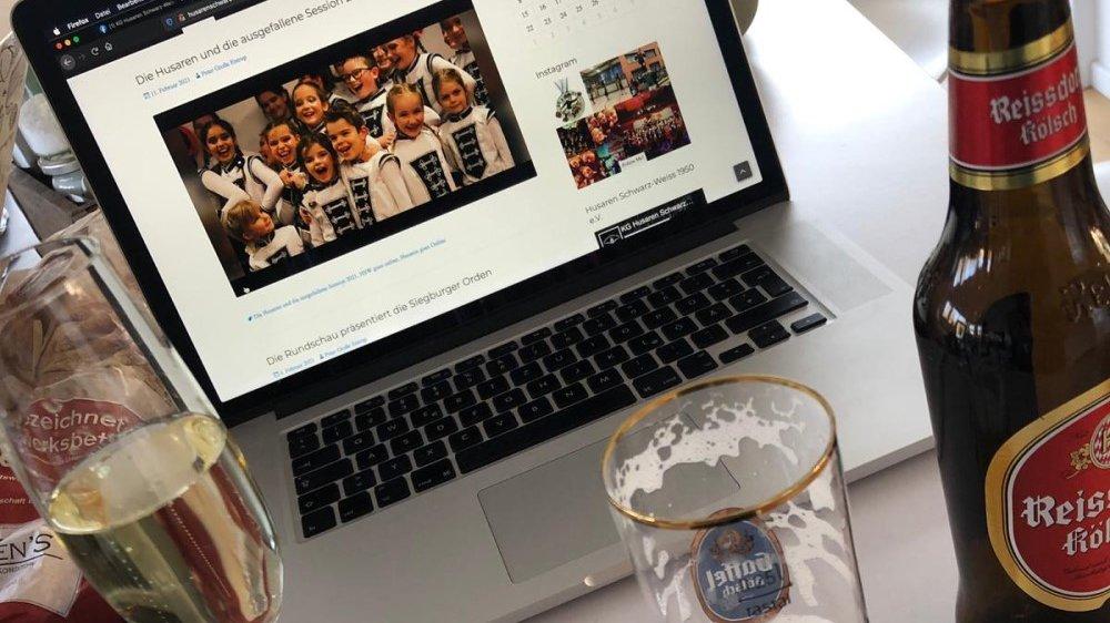 Husaren Schwarz-Weiß Online