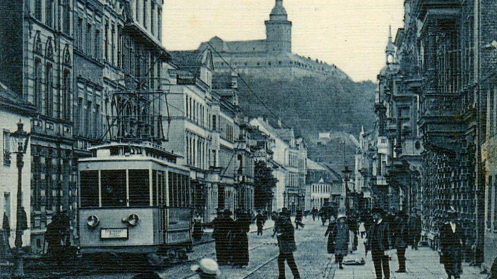 Straßenbahn auf der Kaiserstraße