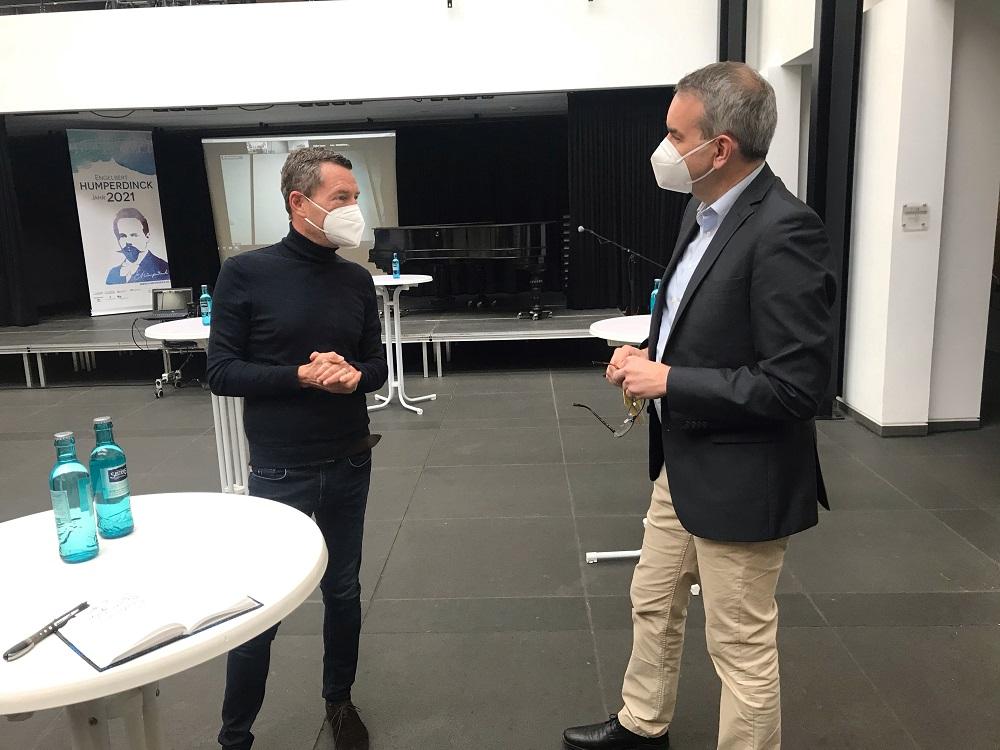 Kai Diekmann und Stefan Rosemann im Foyer des Stadtmuseums
