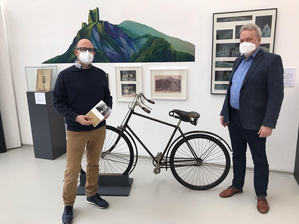 Dr. Matthias Corvin und Dr. Christain Ubber in der Humperdinck-Ausstellung im Stadtmuseum