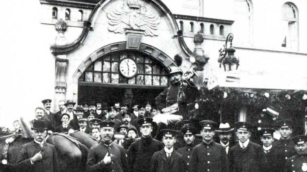 Postkutsche 1916 am Siegburger Bahnhof