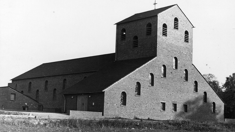 Kirche St. Elisabeth im Juli 1959
