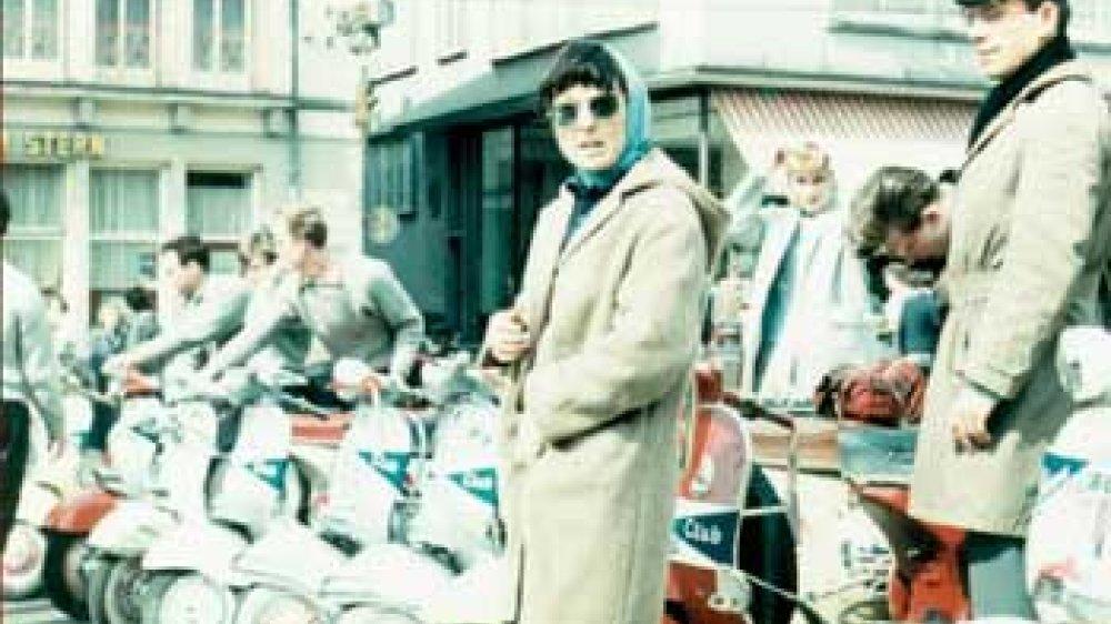 Vespa 1956 vor Hotel Zum Stern