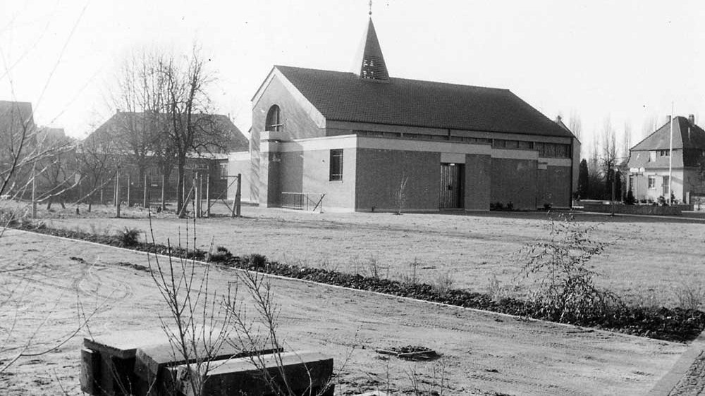 Die Hedwig-Kirche im Januar 1973