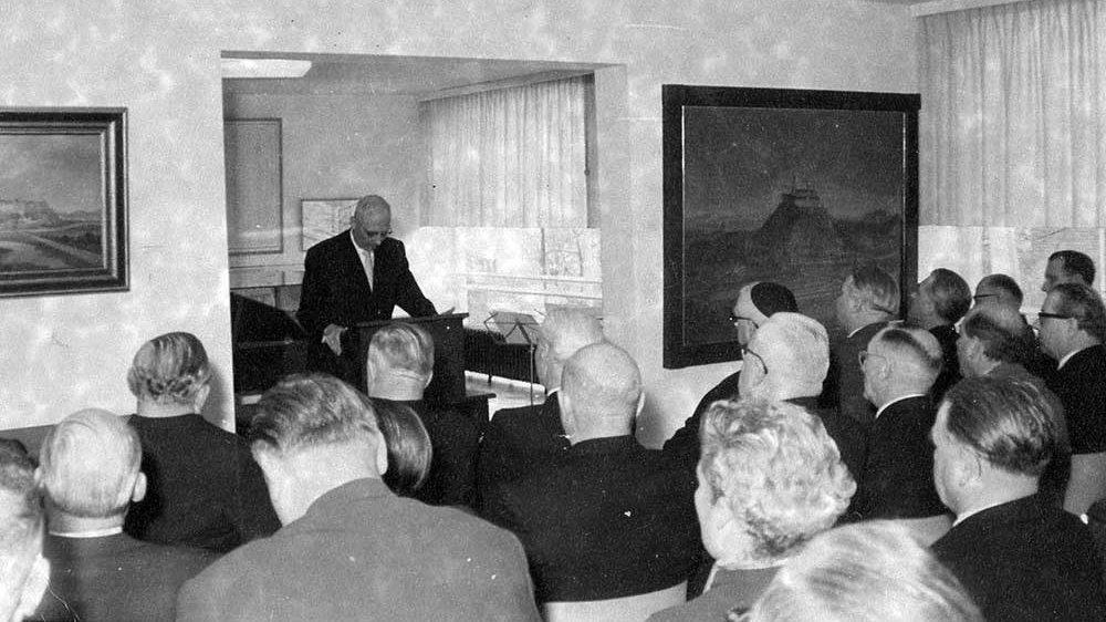 Einweihung des Siegburger Museums mit Bürgermeister Hubert Heinrichs 1956
