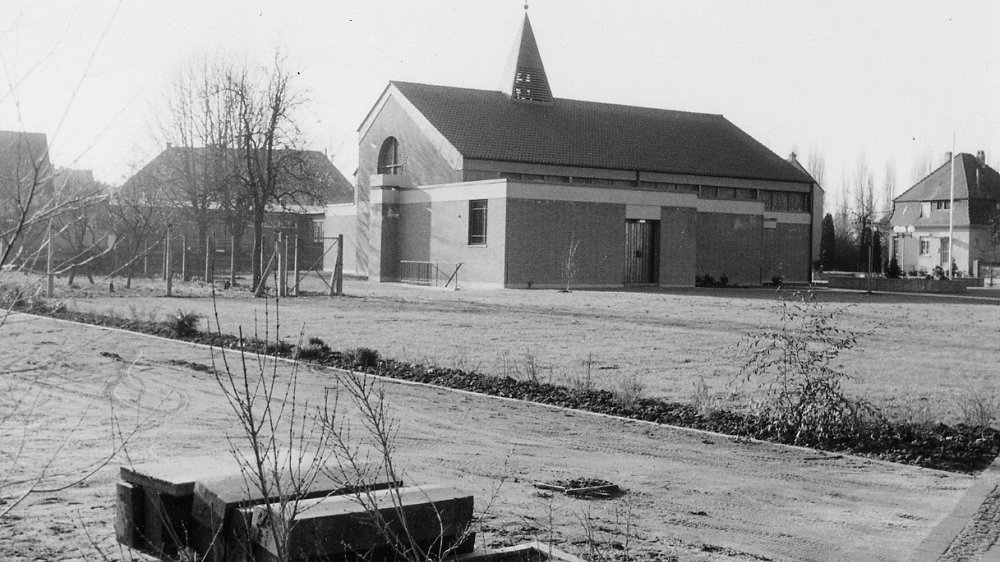 Hedwigskirche in Siegburg-Zange im Januar 1973