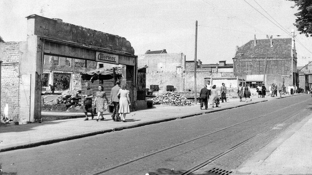"""""""Mertens""""-Ruine am Markt in den ersten Nachkriegsjahren"""