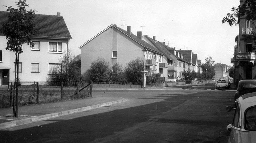 Notrufsäule auf der Zange, Ecke Hohenzollernstraße/Ludwigstraße im Jahr 1961