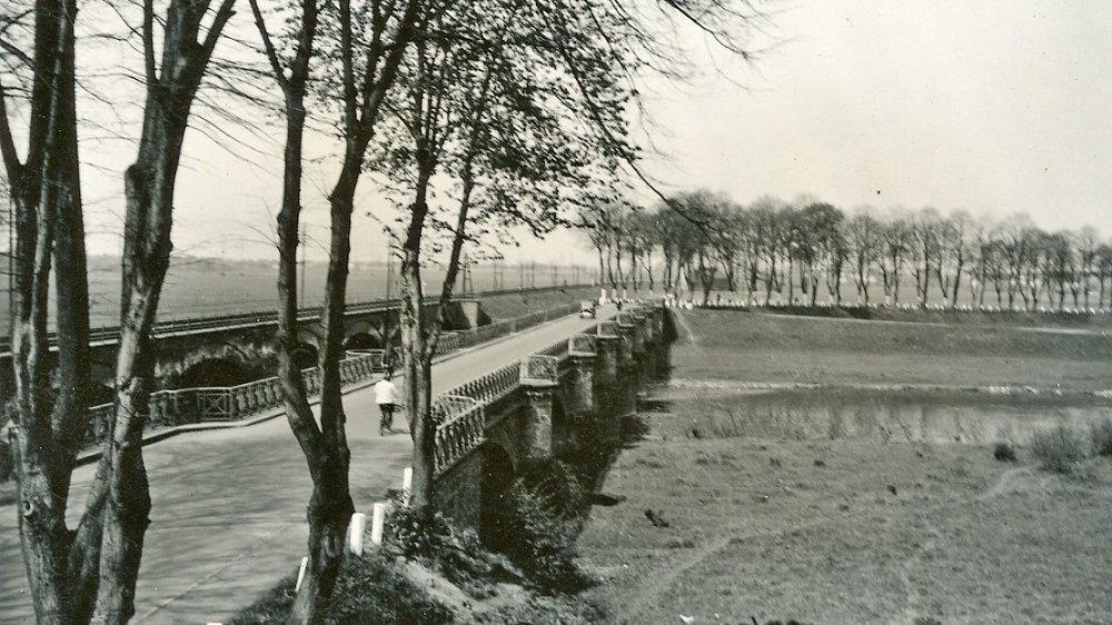Buisdorfer Brücke um 1930, Blick nach Siegburg