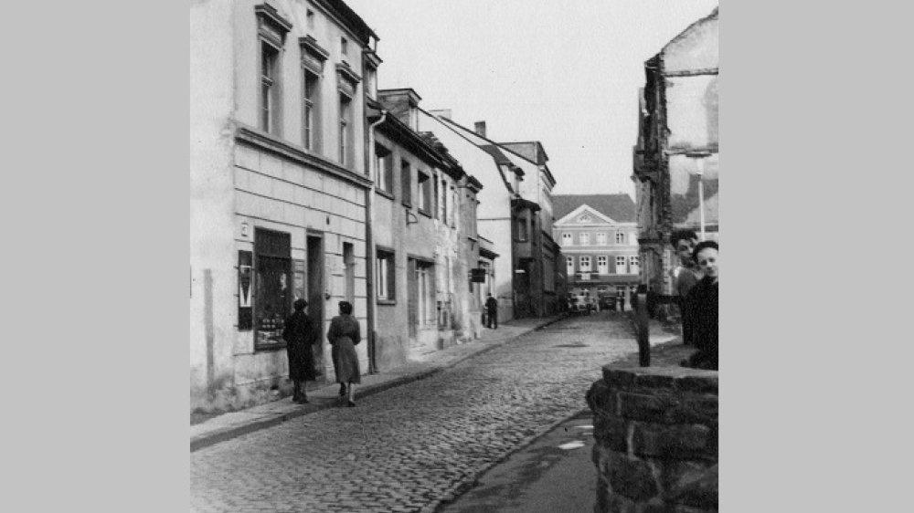 Die Annostraße im Herbst 1955