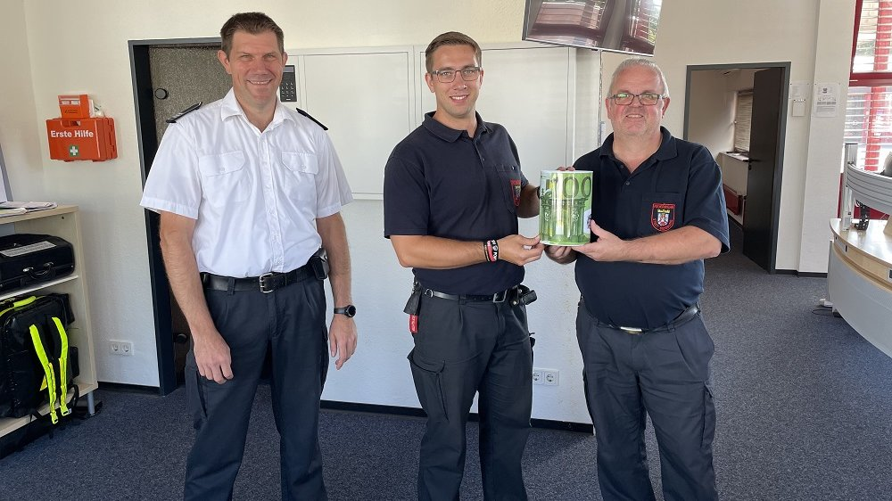 Foto (v.l.n.r.): Michael Höntsch, Patrick Okroy und Frank Pritz bereit zur Spendenübergabe