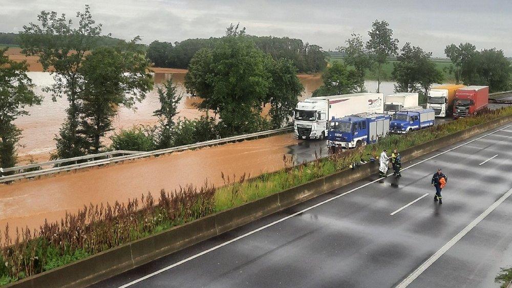 Autobahnschäden Hochwasser
