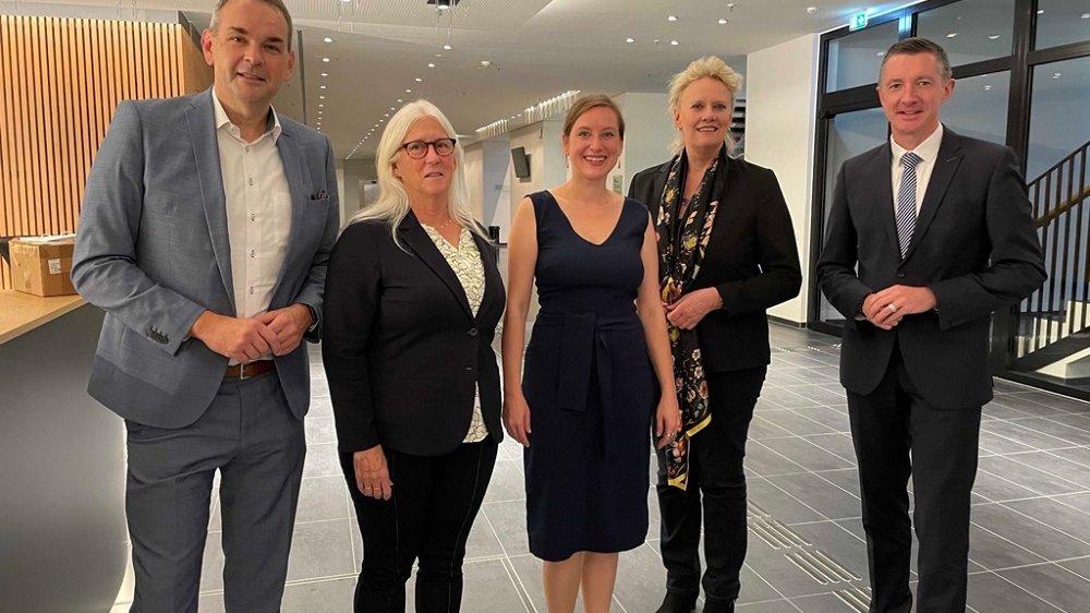 Stefan Rosemann, Britta Pahlenberg, Sara Decker, Dr. Susanne Haase-Mühlbauer und Oliver Schmidt